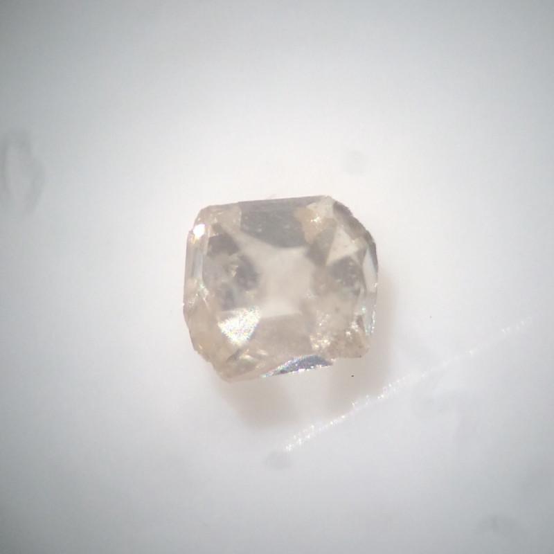 0.01 ct light brown VS old eight / table cut vintage diamond