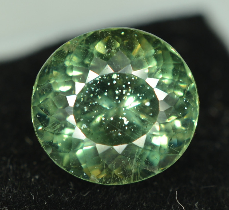 4.55 Cts Natural Green Apatite Round Cut From Africa