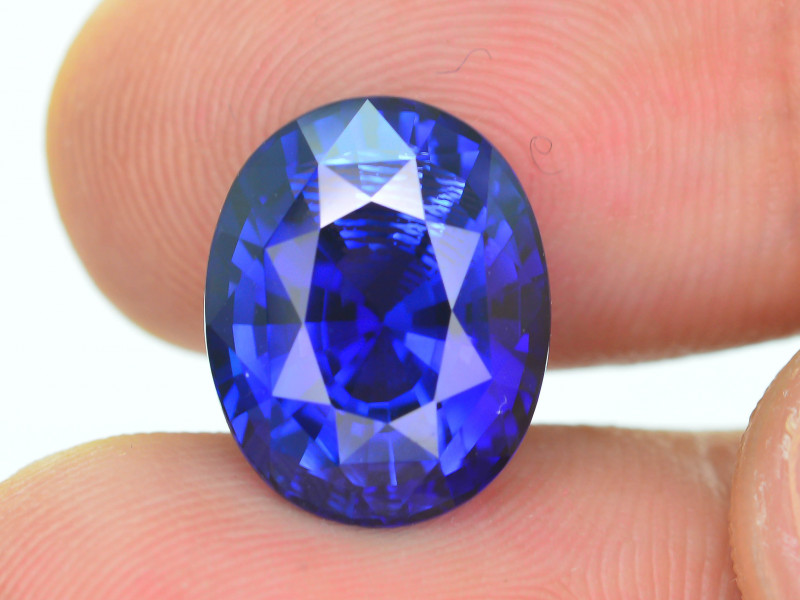 AAA Grade & Color 9.06 ct Royal Blue Sapphire