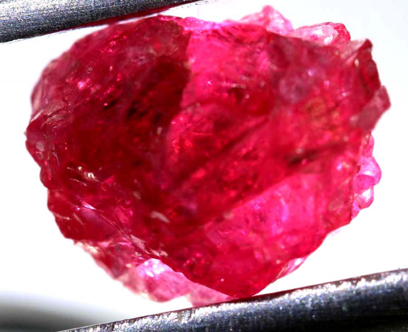 2.90 CTS  SPINEL ROUGH CRYSTALS  BURMA    RG-3646