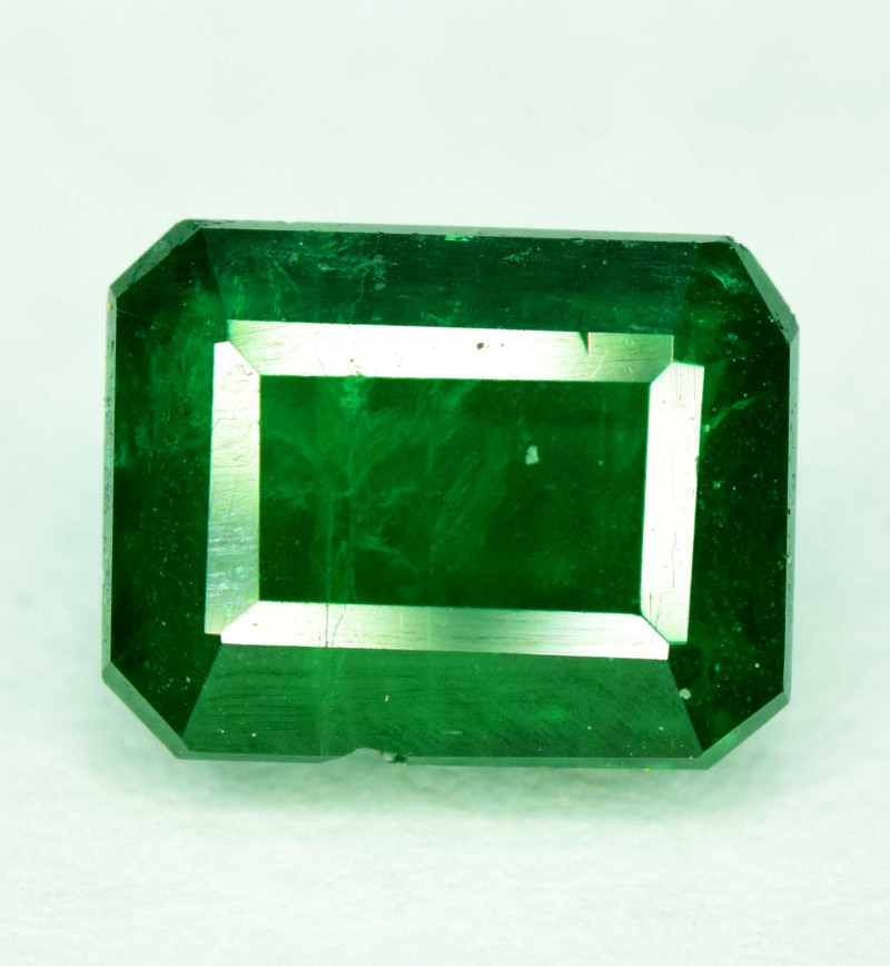 1.05 carats Deep Green Color Swat Emerald Gemstone