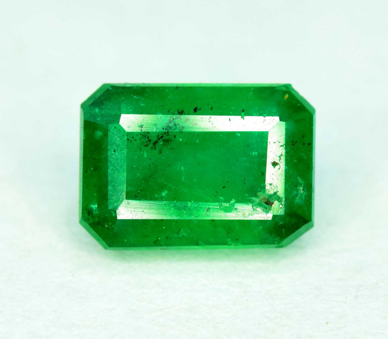 0.85 carats Deep Green Color Swat Emerald Gemstone