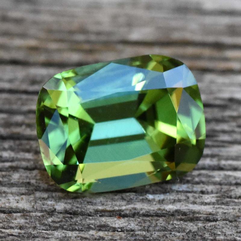 1.35cts Tourmaline - Green (RTO220)