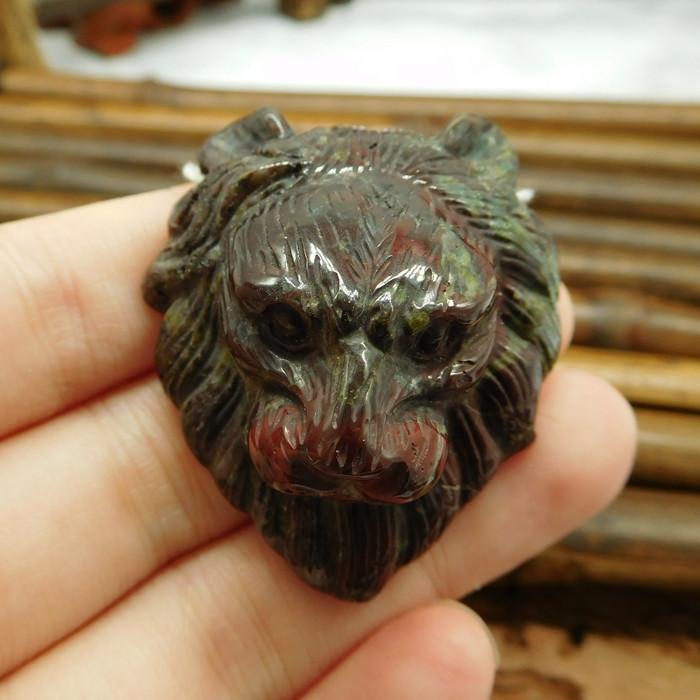 Dragon bloodstone carving lion pendant bead (G0232)