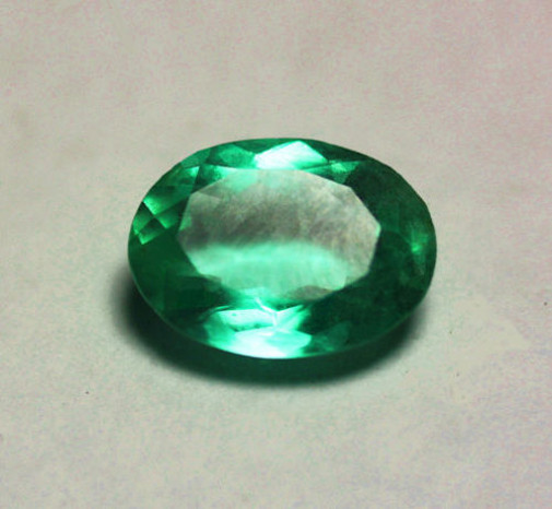 1.63 ct High-End GIA Certified Top Color IF-VVS  Clarity Colombian Emerald