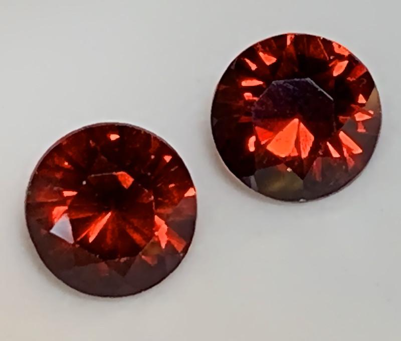 Mozambique Garnets - A Pair of 5.70mm Gems VVS
