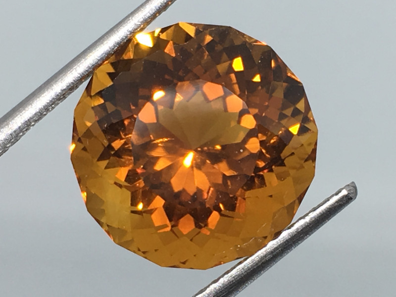 7.14 carat VVS Citrine Madeira Gold Color Master Cut Fabulous Flash Quality