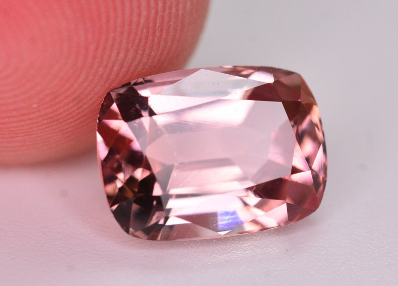 Gorgeous Color 3.20 Ct Natural Pink Tourmaline. AT1