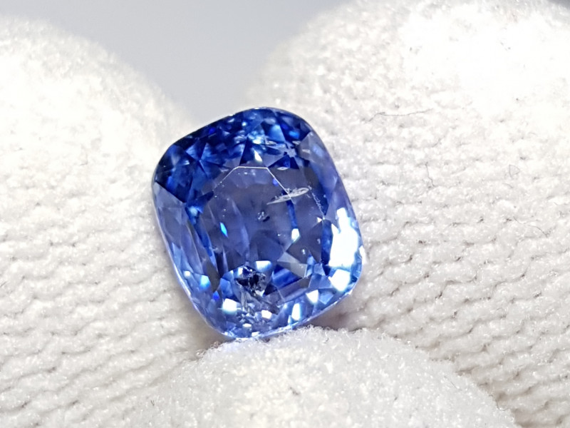 CERTIFIED 2.47 CTS NATURAL STUNNING CUSHION CUT BLUE SAPPHIRE SRI LANKA