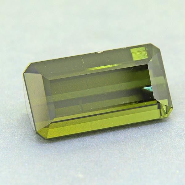 Natural Green Tourmaline  10.65ct (00579)
