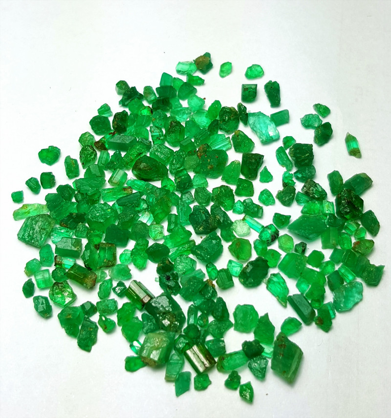 Natural color Gemmy quality Emerald rough lot 40 Cts-Afghanistan