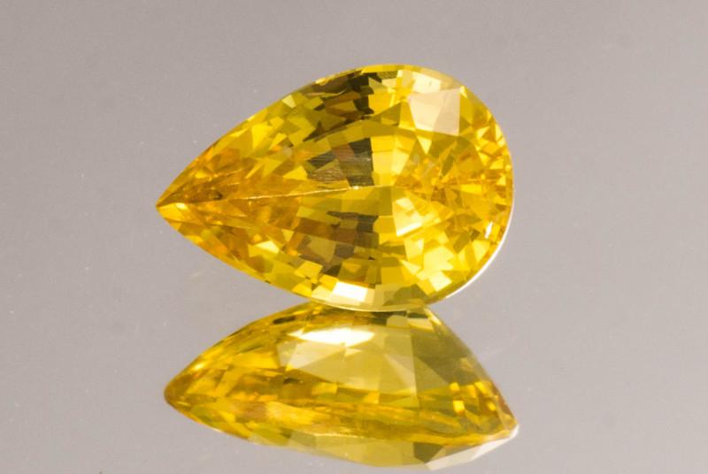 GIA 7 x 5 mm Yellow Sapphire  0.91 ct  Sri Lanka