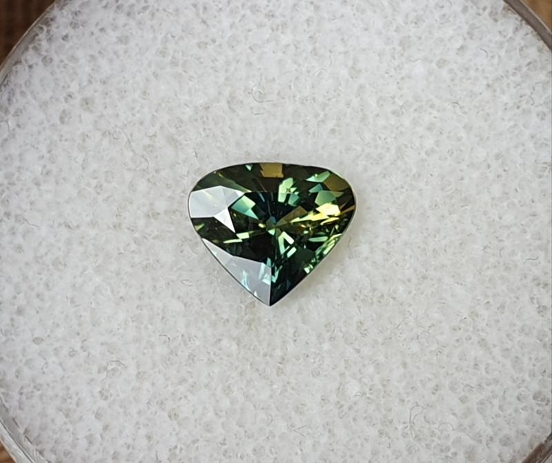 2,12ct Bicoloured Sapphire - Designer cut!