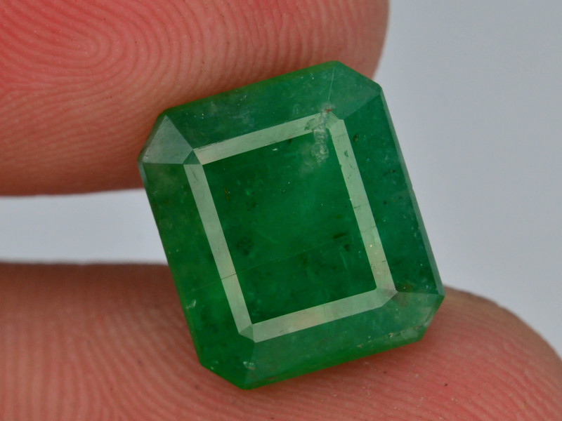 4.60 ct Natural Vivid Green Color Emerald~Swat