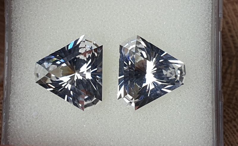 12,10ct White Topaz pair - Master cut!