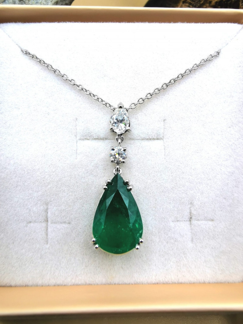 7,00ct Colombian Emerald 18k Solid Gold Necklace Ref 1/2 Colombian Emeralds
