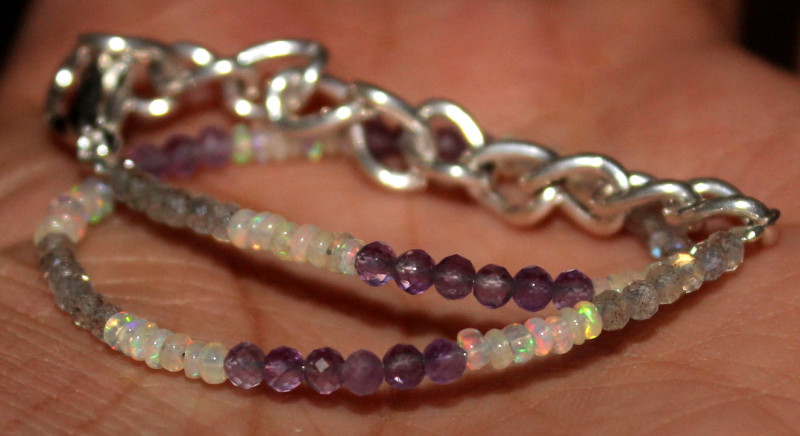 12 Crt Natural Welo Opal Amethyst & Labradorite Beads Bracelet 296