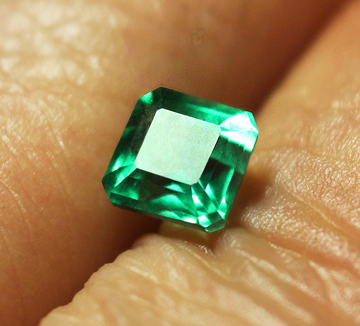 1.88 ct Absolute High-End Zambian Emerald Certified!