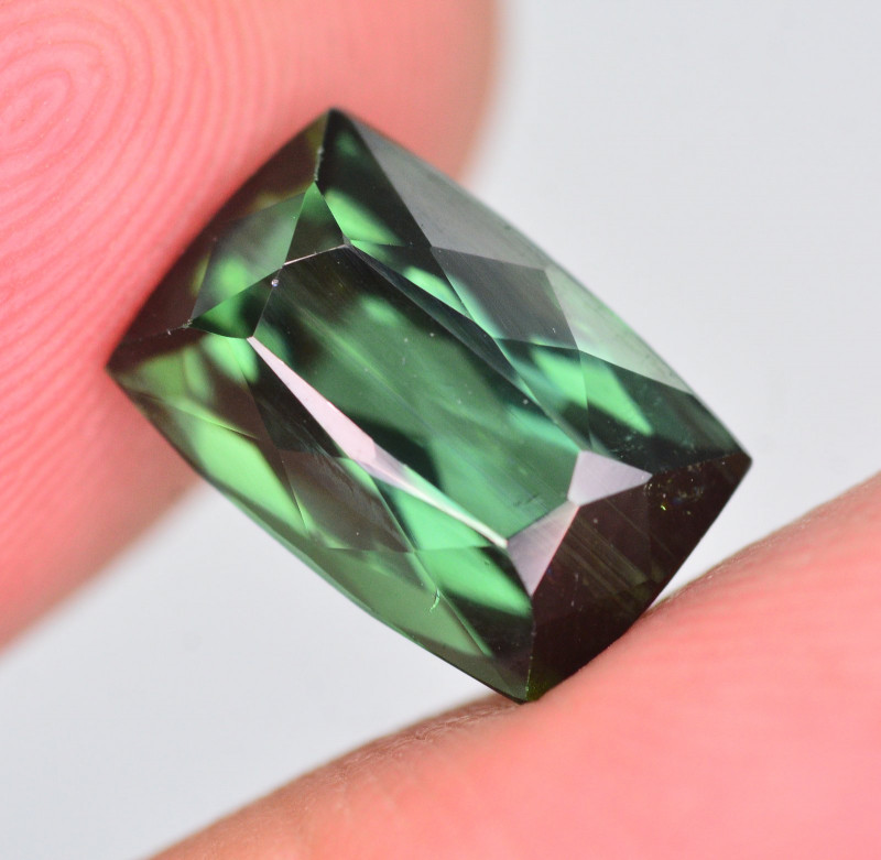 Top Quality 4.10 Ct Natural Bluish Green Tourmaline. AT