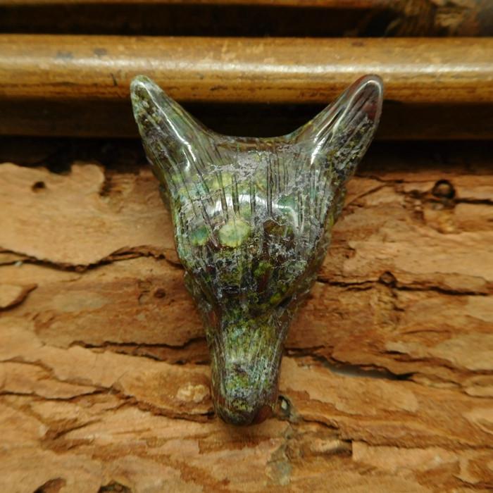Natural gemstone dragon bloodstone carved wolf head pendant bead (G0324)