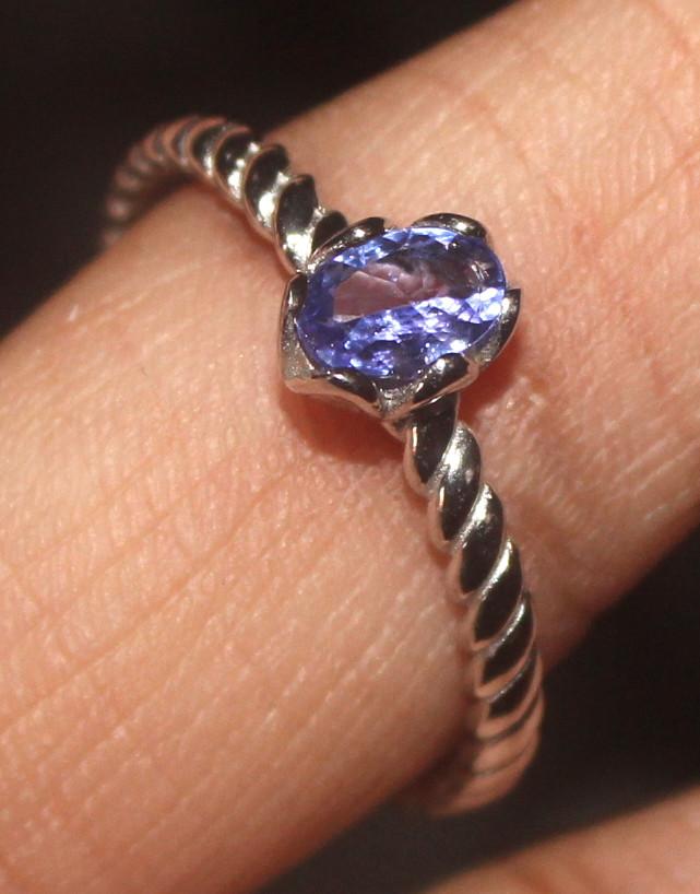Natural Tanzanite 925 Sterling Silver Ring Size (9) 119
