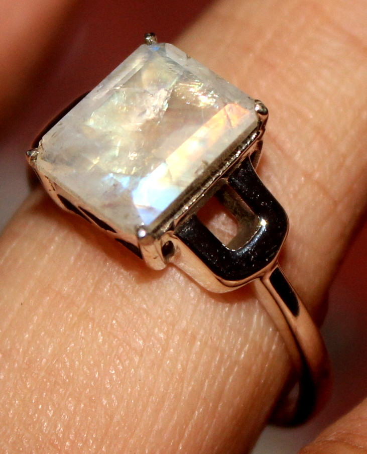 Natural Labradorite 925 Sterling Silver Ring Size (9) 130