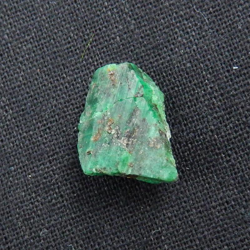 Natural Stone Emerald Green Raw Rough, 18x16x11mm, 4.4g H6032