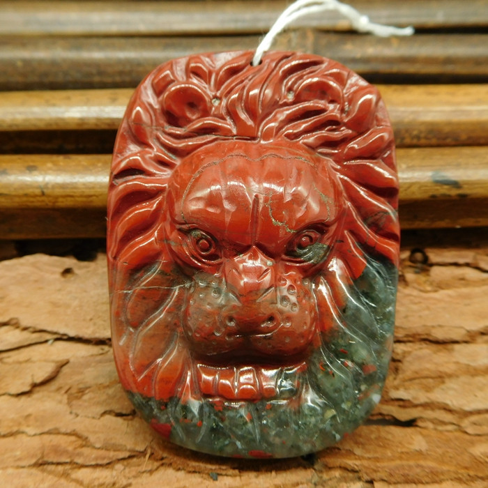 African bloodstone handcrafted lion pendant bead (G0365)