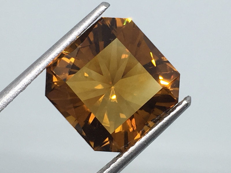 6.49 Carat VVS Citrine Madeira Gold Colored Master Cut Exquisite Flash !