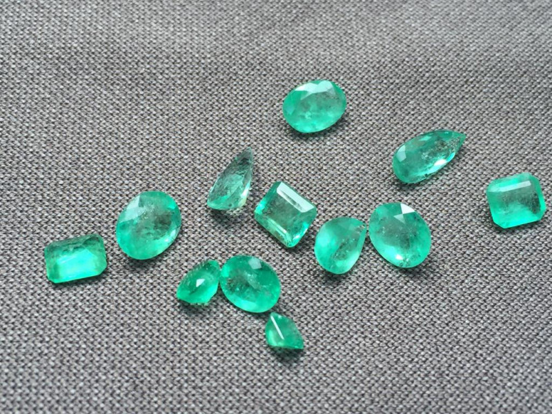 Excellent Parcel of Natural Colombian Emeralds  Ref 73/76