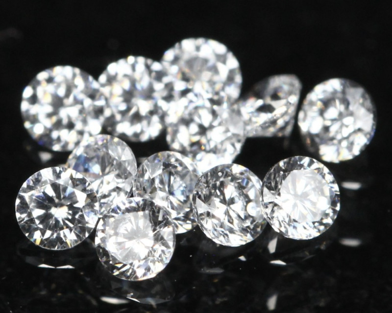 1.10mm 12Pcs D/F/VS Natural White Diamond