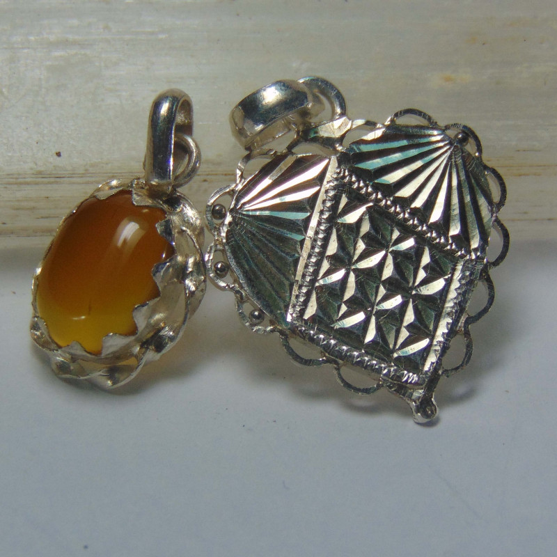 Agate pendent ~ antique stone~ fantasy silver designs 27.00cts