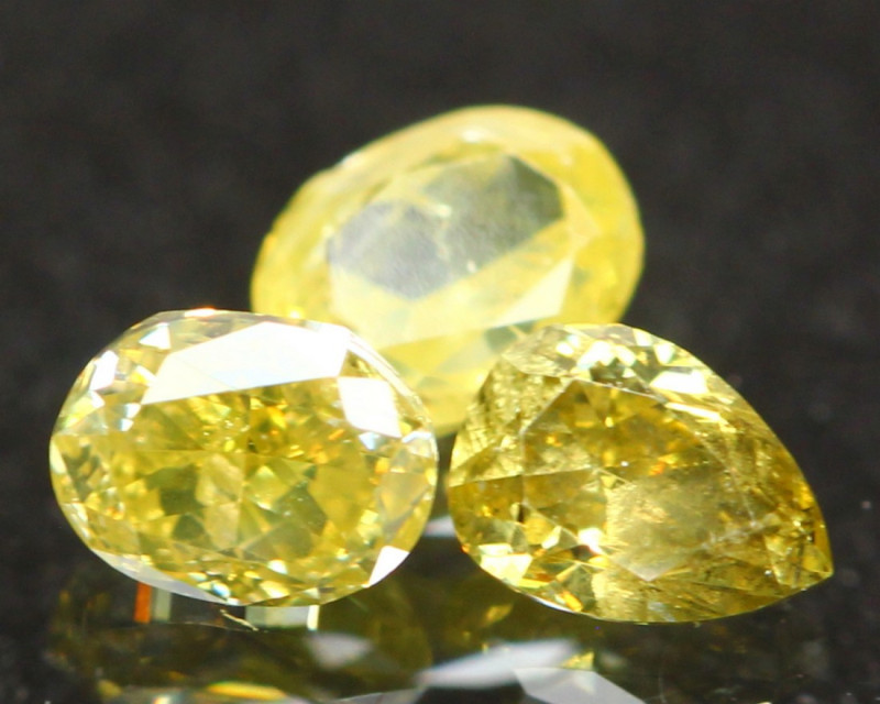 0.45Ct Fancy Green Yellow Natural Diamond A1403