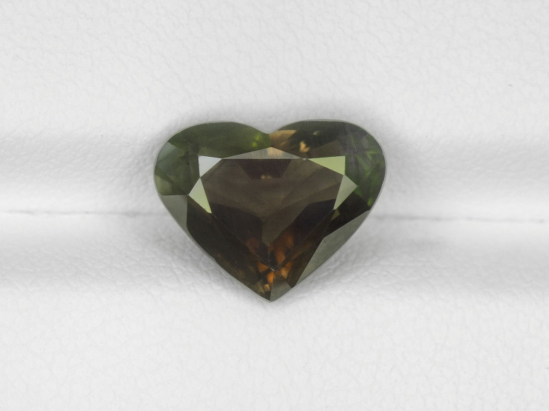 alexandrite in heart shape