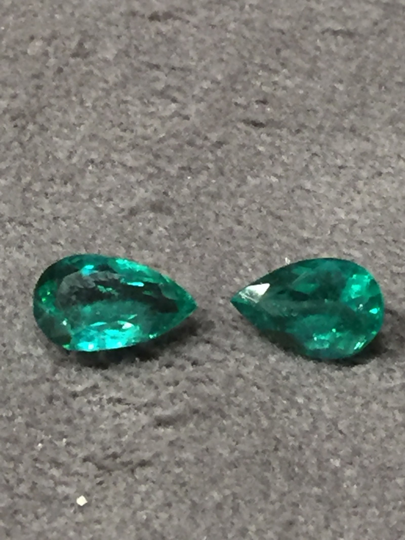 2,12ct Pair of Colombian Emeralds Colombian Emeralds Colombian Emeralds