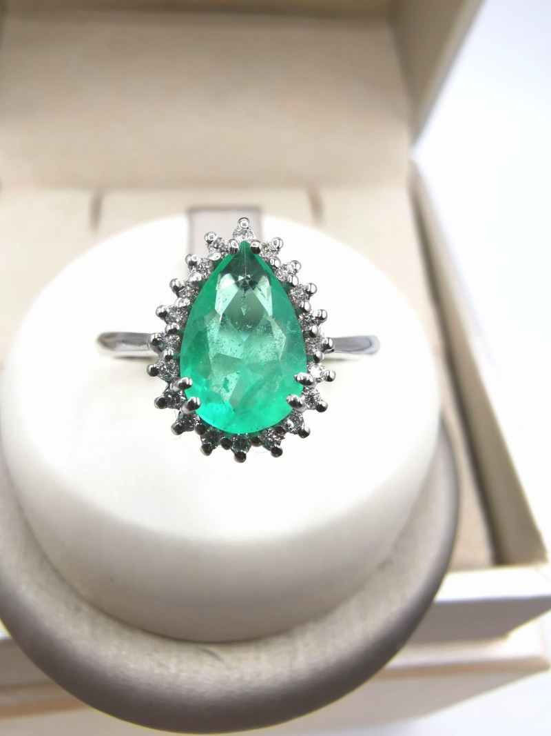1,11ct Colombian Emerald 18k Solid Gold Ring Colombian Natural Emerald Colo