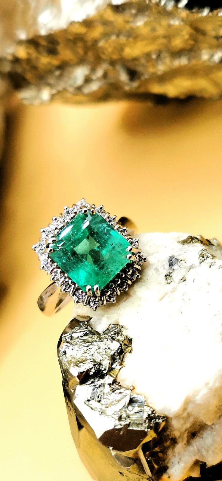 3,73ct Natural Colombian Emerald 18k Solid Gold Ring Colombian Natural Eme