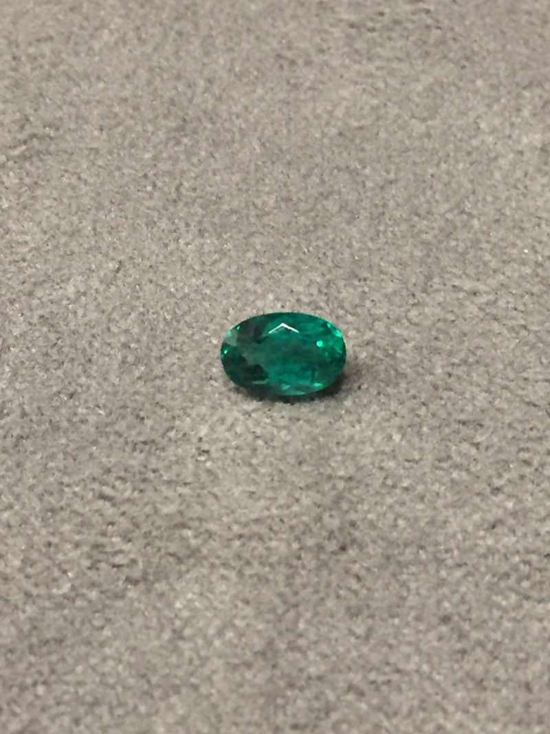 1,10ct Colombian Emerald ref 14/21Colombian Natural Emerald Colombian Natur