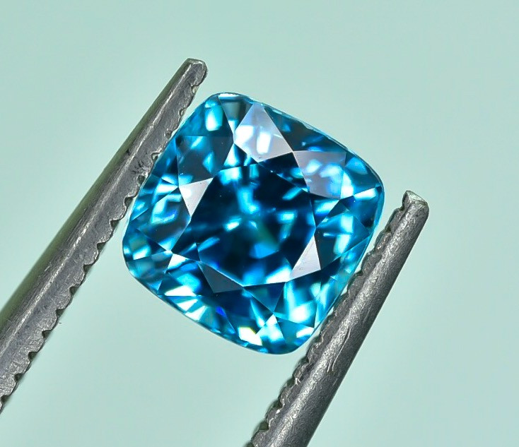 1.75 Crt Natural Zircon Cambodia Top luster Faceted Gemstone.