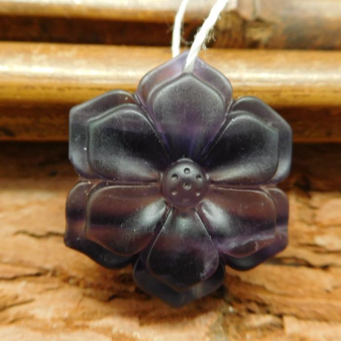 Fluorite carved flower pendant (G0528)
