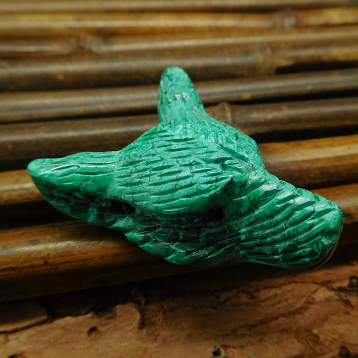 Natural malachite carved wolf head pendant (G0535)