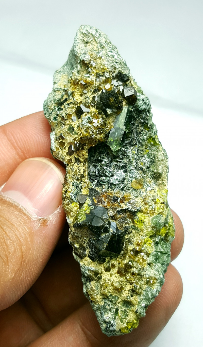 Amazing Combination Garnet with Epidote and Diposite 170Cts-Afghan