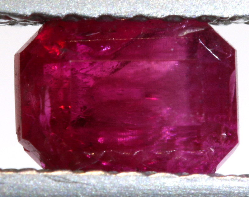 0.62CTS CERTIFIED  UTAH RED BERYL-RED EMERALD VIOLET CLAIM  TBM-1799