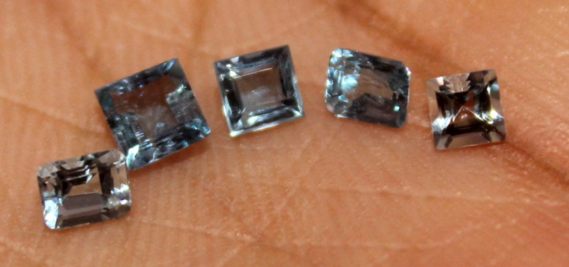 0.85 Crt Untreated Natural Aquamarine Loose Gemstone 9