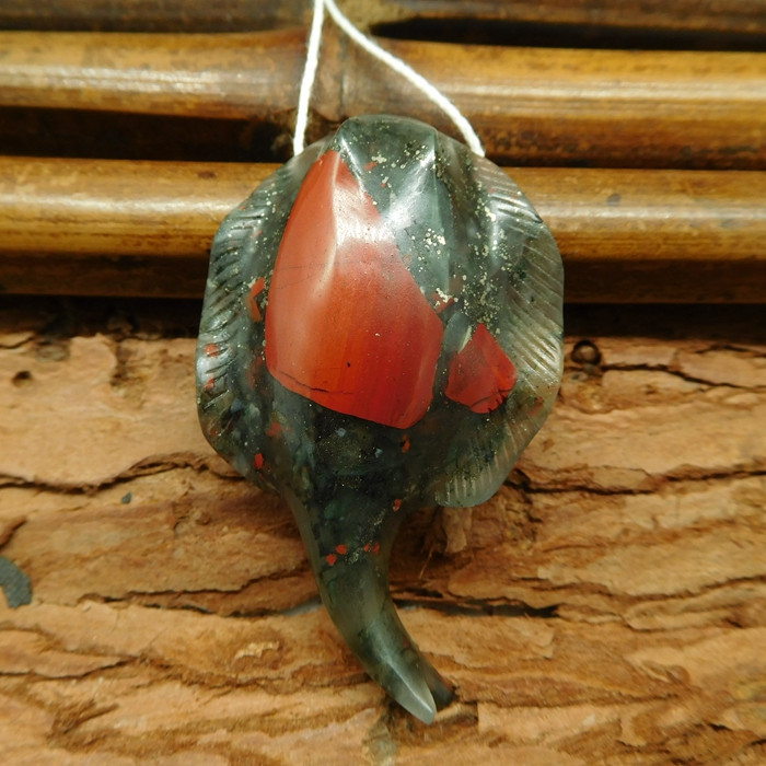 African bloodstone carved devil fish pendant bead (G0566)