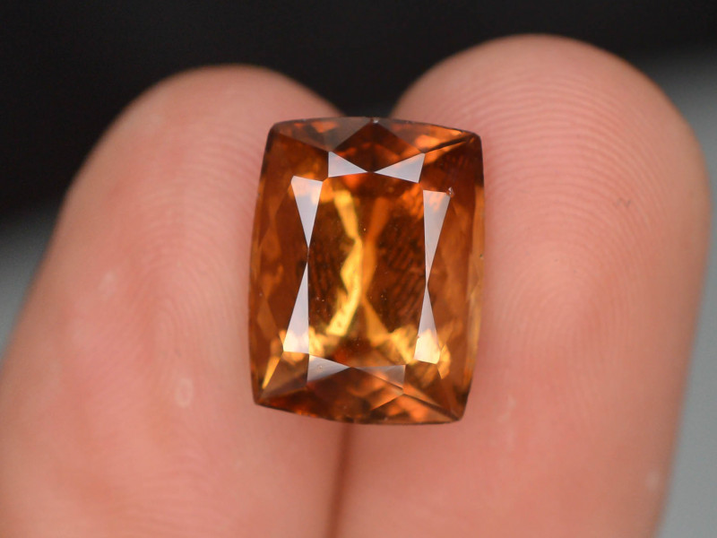 Untreated 6.80 Ct Top Class Natural Topaz
