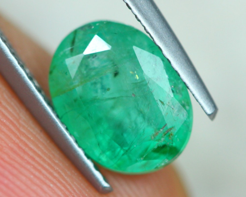 2.17ct Natural Zambia Green Emerald Lot GW4052