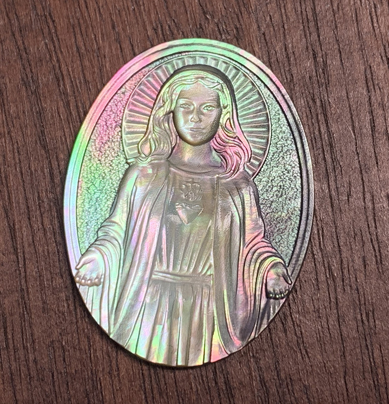 Mother of Pearl Mary Carved Cameo Shell with Rainbows Cabochon 10ct
