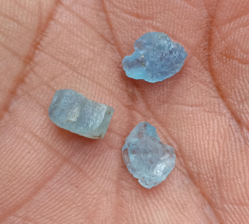 TOP QUALITY AQUAMARINE ROUGH GEMSTONE TRIO VA84