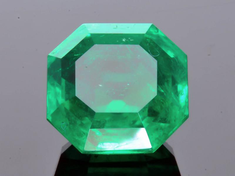 GRS Certified AAA Grade & Clarity 5.72 ct Colombian Emerald